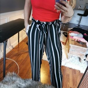 2/$25 💐 Striped Paper Bag Pants NWT